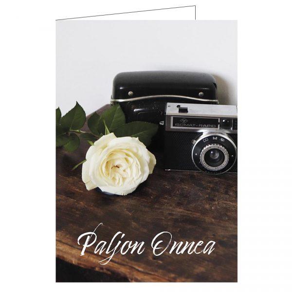 onnittelukortti-kamera-ruusu