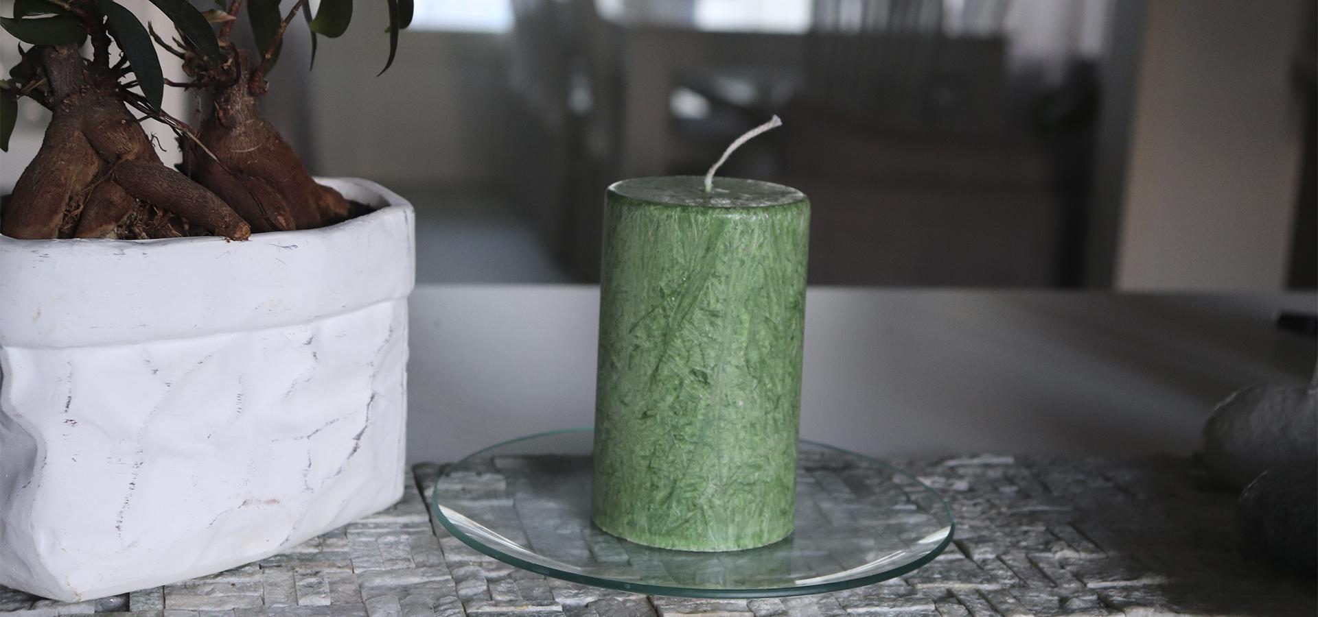 Suomalainen-kasintehty-kynttila